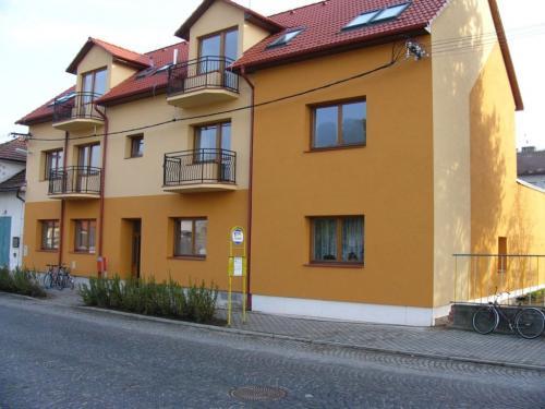 Dům spodporovanými byty propro méně příjmové občany vybudovaný vr. 2005