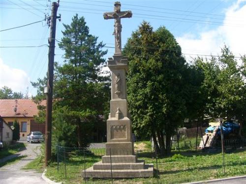 Kříž naBařinkách podokončení restaurace - srpen 2008